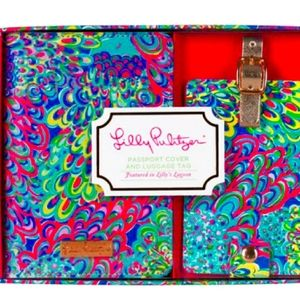 Lilly Pulitzer Lilly's Lagoon Passport Cover and L